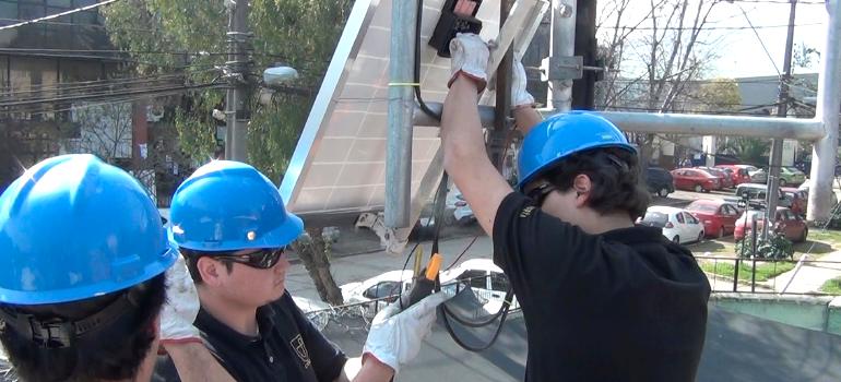 celdas-fotovoltaicas-programa-ernc-desarrollo-sustentable-utem-chile